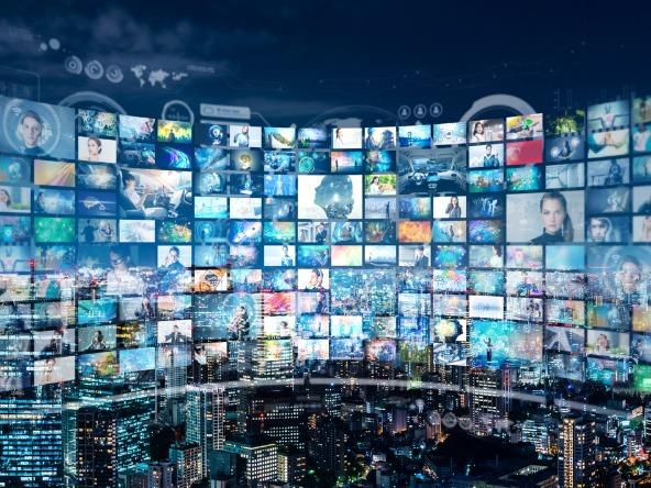 Video-advert_advertising_online_crop